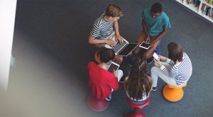 9 دلیل که دانشآموزان باید از تکنولوژی در مدرسه استفاده کنند